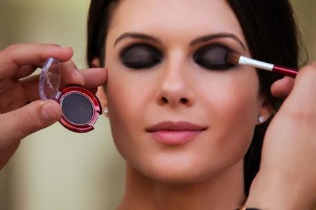 Como fazer maquiagem para fotos - dicas, passo a passo