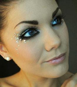maquiagem-com-brilho-strass-para-noiva