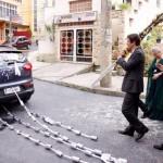 Dicas de casamento – A tradição das latas no carro de casamento